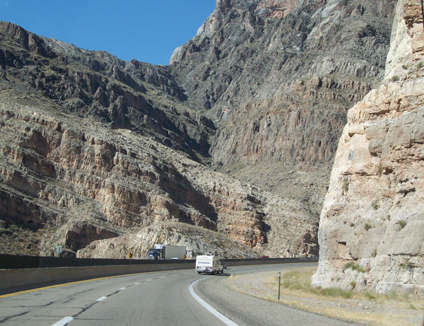 [I-15 in Vrigin River Canyon]